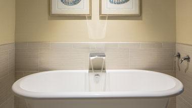 Margaritaville Resort Casino Luxury hotel suite bathtub